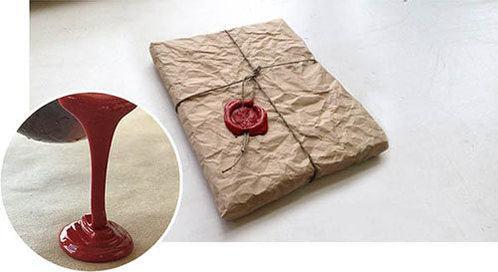 фото крафтовой упаковки логбука с сургучным оттиском