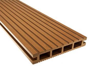 POLdeck - Deska tarasowa NT Premium WPC, z dodatkową powłoka zabezpieczająca rdzeń z kompozytu drewna, tak abt deska tarasowa imitowała przebarwienia i usłojowanie drewna.
